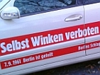 B.Z. Schlagzeilen-Taxi – Selbst winken verboten
